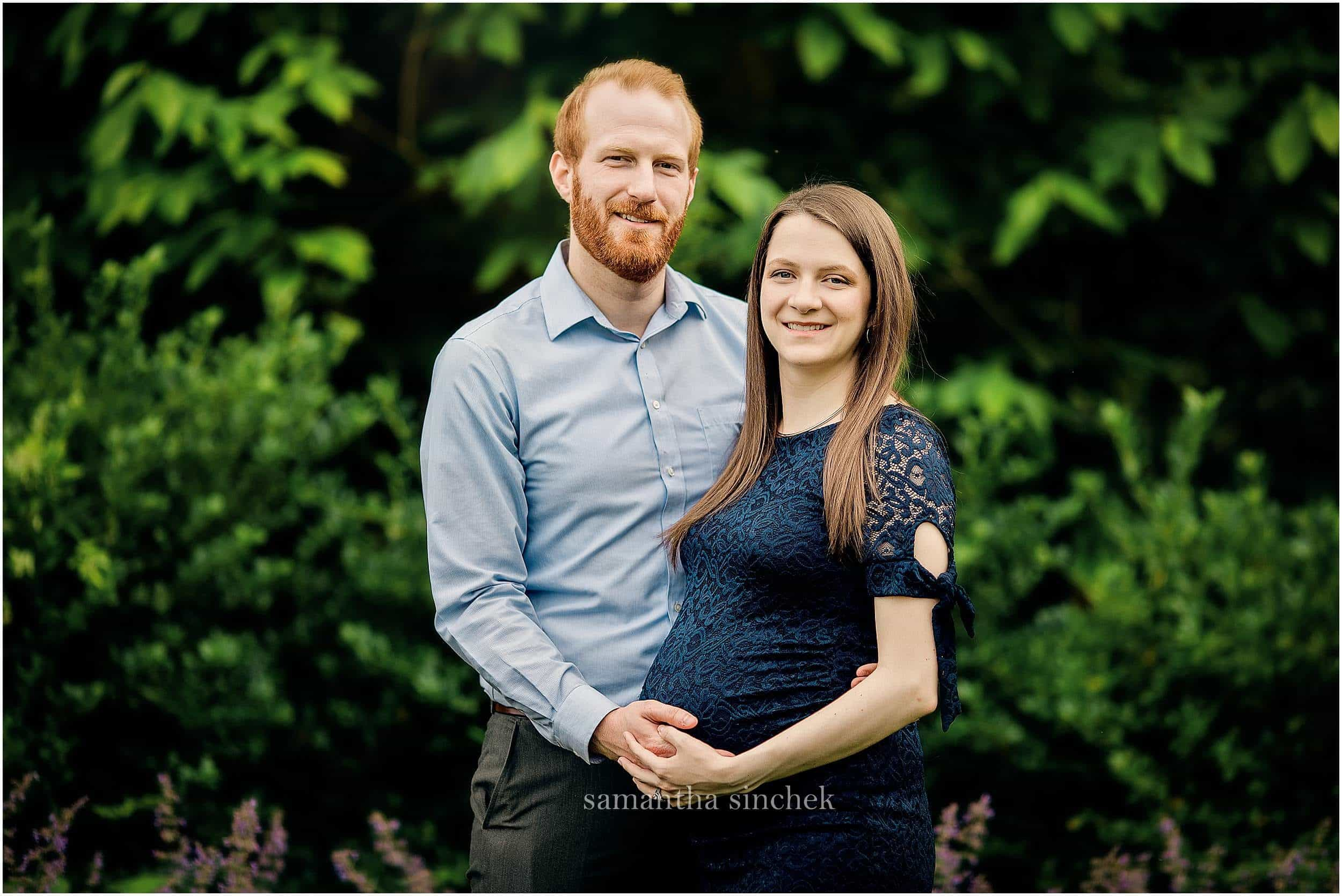 young couple at maternity pictures with Cincinnati's best photographer Samantha Sinchek