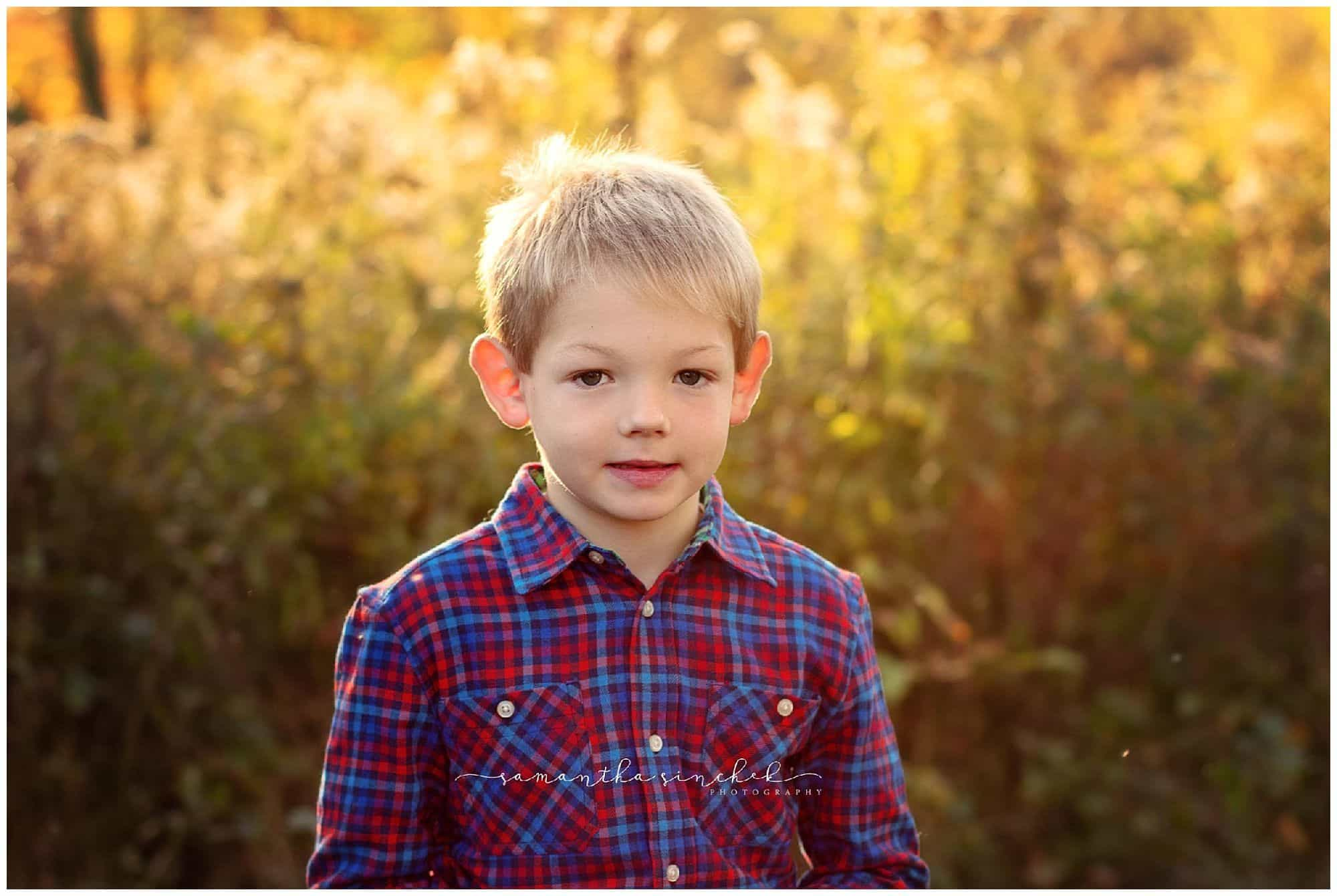 extended family mini session at french park in the fall with samantha sinchek photography cincinnati photographer