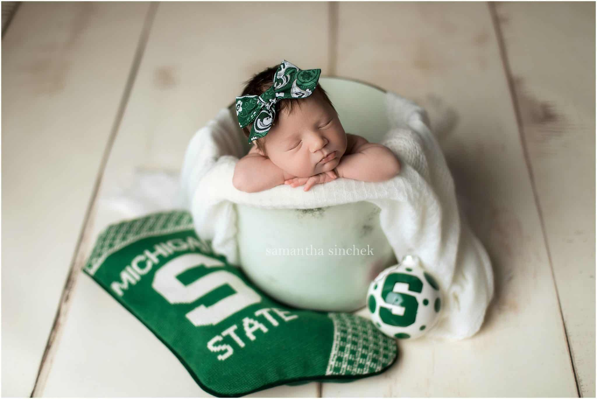 michigan state newborn picture with Cincinnati photographer Samantha Sinchek