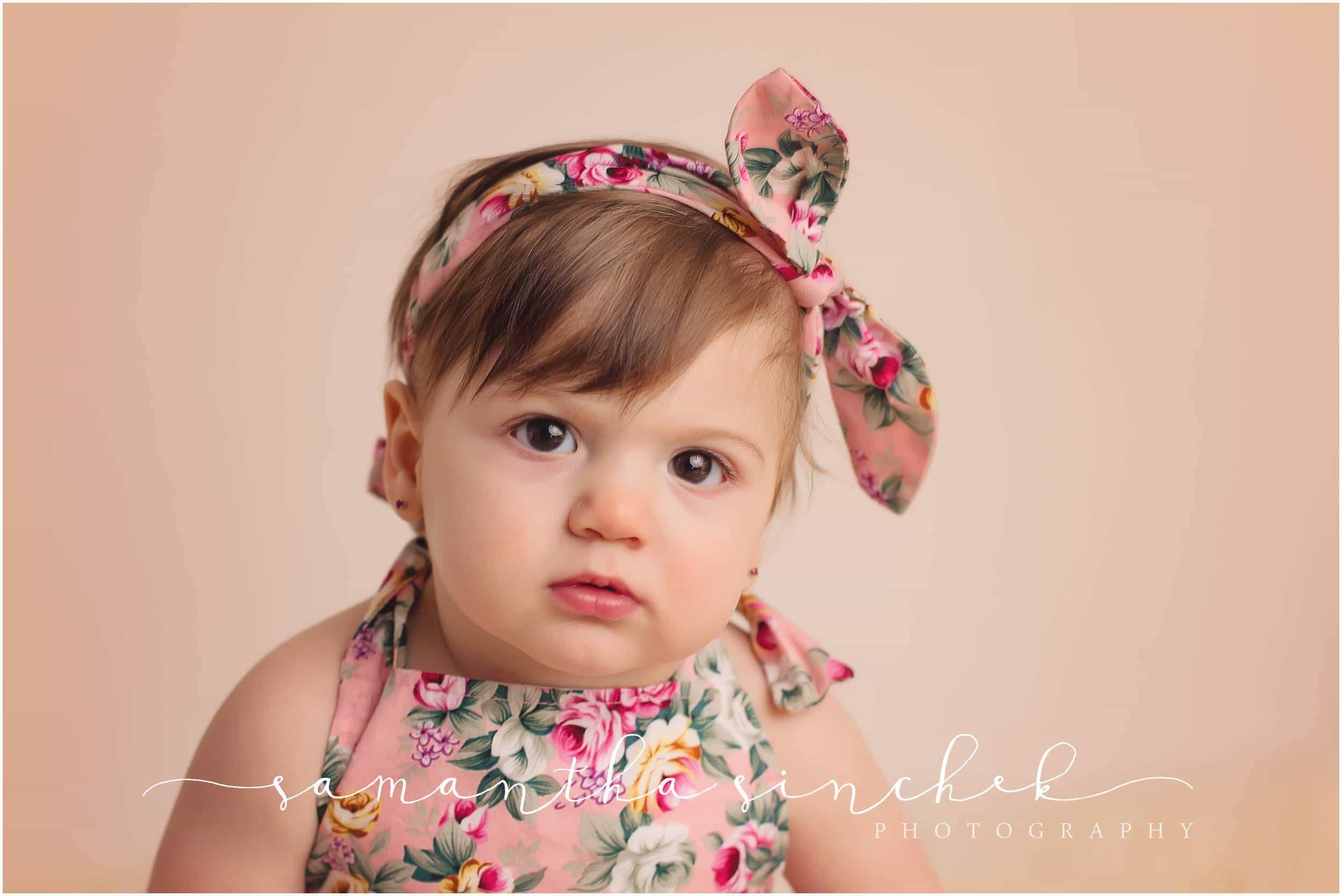 baby 9 month session at Samantha Sinchek photography in Cincinnati Ohio