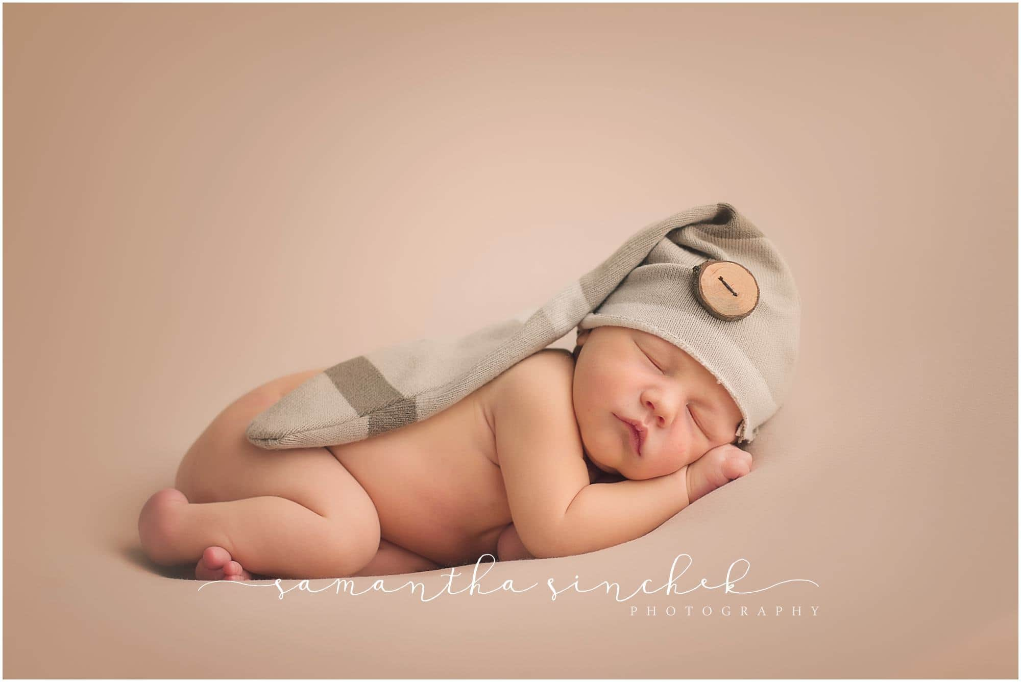 cincinnati best newborn photographer sinchek studio session with levi