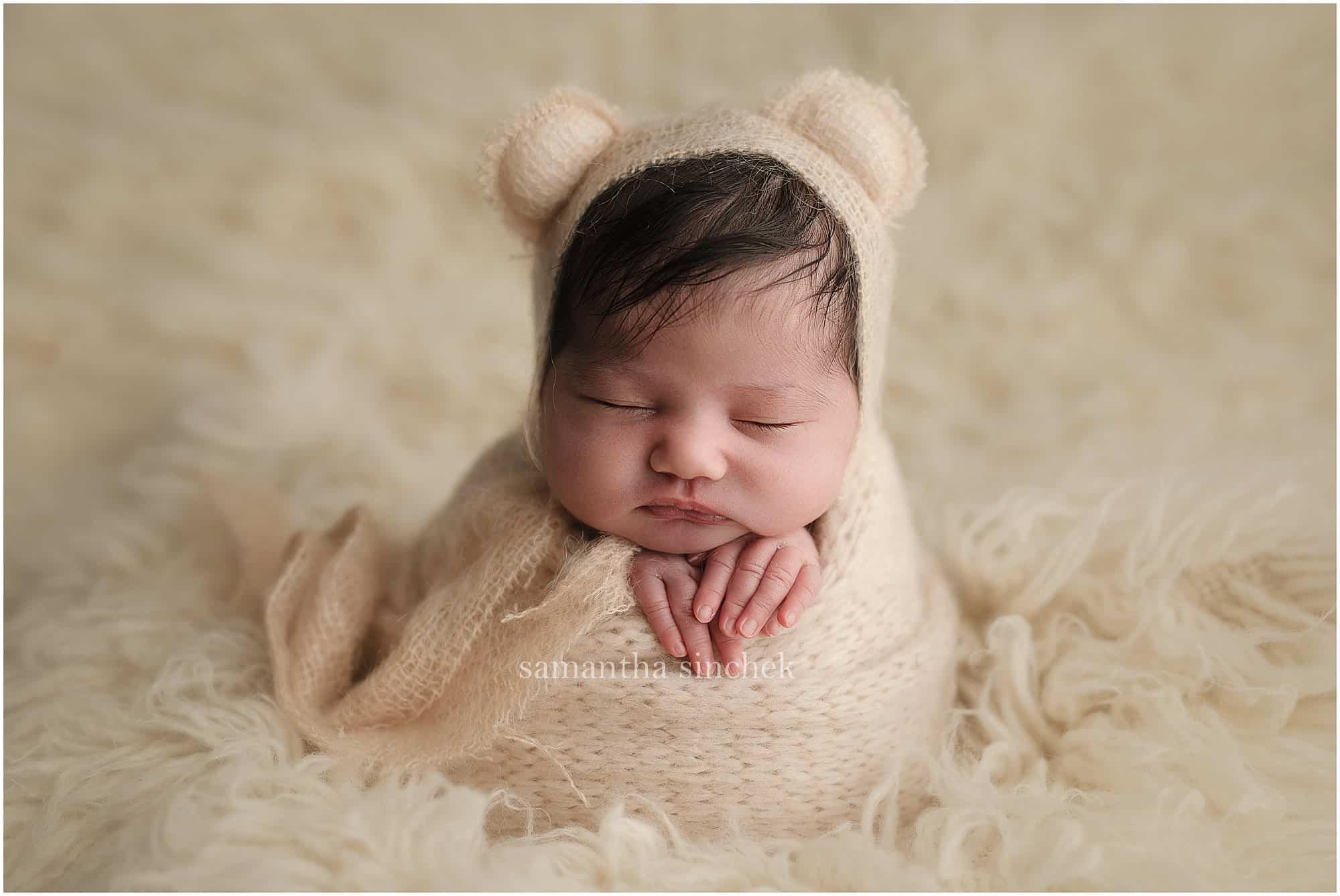 best Cincinnati newborn photographer Samantha Sinchek Photography baby pictures